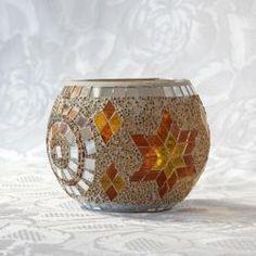 Mason Jar Candle Holders, Candle Holder Decor, Mosaic Vase, Mirror Mosaic, Making Stained Glass, Stained Glass Art, Vitromosaico Ideas, Christmas Mosaics, Cement Planters