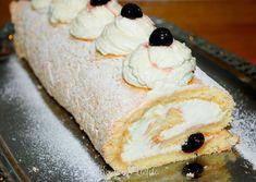 Biscuitrol met kersen Swiss Cake, Good Food, Yummy Food, Yule Log, Four, Bread Baking, Cupcake Cakes, Cupcakes, Baking Recipes