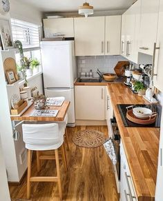 """Cozy Home Shots on Instagram: """"Wooden kitchen goals by @scandi_uk🧡 How much do you like it? #cozyhomeshots #kitchendesign #kitchendecoration #kitchenremodel…"""""""