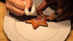 How to gingerbread Onesie Cookies, Lace Cookies, Christmas Cookies, Christmas Gingerbread, Gingerbread Cookies, Cookie Tutorials, Honey Cake, Fondant Icing, Royal Icing
