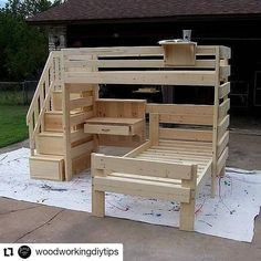Creative Reusing Ideas for Used Shipping Pallets sweltering summer day. The table can likewise be made The post Creative Reusing Ideas for Used Shipping Pallets appeared first on DIY Crafts. Pallet Kids, Small Pallet, Wooden Pallet Projects, Pallet Crafts, Woodworking Projects Diy, Woodworking Wood, Woodworking Videos, Popular Woodworking, Pallet Loft Bed