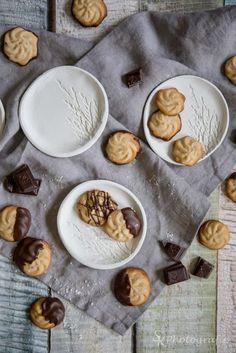 Anleitung für eine selbstgemachte Schale aus Fimo für weihnachtliche Plätzchen oder als Geschenk. | Alles und Anderes Crackers, Biscuits, Cookies, Sweet, Christmas, Diy, Muffins, Food, Html