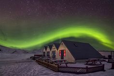The northern lights appear over a house in Jokulsarlon, Iceland, on April 13 (© Dario Sastre/Solent News & Photo Agency)
