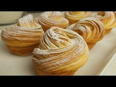 KRAFINI - KRoasani+mAFINI - Cruffin - YouTube Casserole Recipes, Bread Recipes, Cooking Recipes, Cruffin Recipe, Bakery Recipes, Breakfast For Dinner, Turkish Recipes, Croissants, Dinner Rolls