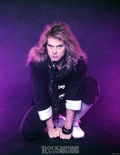 Oh my gosh he was so handsome here and remains handsome today. Alex Van Halen, Eddie Van Halen, Jason Newsted, David Lee Roth, Ozzy Osbourne, Jon Bon Jovi, Press Photo, Celebrity Look, Debut Album