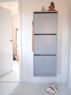 DIY: Repaint a shoe cabinet (Ikea Bissa Shoe Cabinet) Ikea Furniture, Online Furniture, Luxury Furniture, Ikea Shoe Cabinet, Tall Cabinet Storage, Diy Storage, Locker Storage, Cheap Houses, Interior Inspiration
