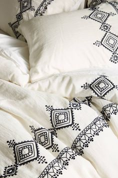 Shop Anthropologie's duvet covers in full, queen & king sizes. Boho styles & the latest trends in bold prints, linen fabrics, embroidered textures & more. Saree Painting Designs, Fabric Paint Designs, Bed Cover Design, Cushion Cover Designs, Bed Sheet Painting Design, Fabric Painting, Fabric Paint Shirt, Hand Embroidery Designs, Embroidery Patterns