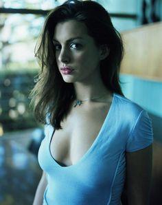 suicideblonde:    Anne Hathaway