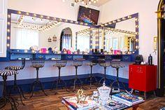 Estúdio transporta o universo da maquiagem para cada detalhe da decoração | Contraponto entre retrô e contemporâneo dá o tom do Studio D, espaço conceito do maquiador Danilo Aranha em Porto Alegre
