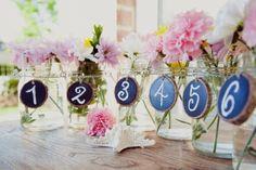Hochzeitsdeko mit Einmachgläsern - Hochzeitstischdeko Ideen