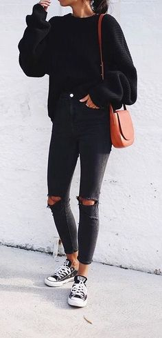 Fall trends | All-black with Converse sneakers