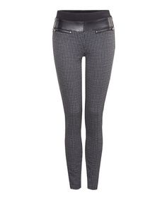 Loving this Charcoal Houndstooth Contrast Leggings on #zulily! #zulilyfinds