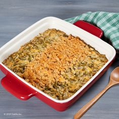 Green Bean Casserole is a long-time holiday favorite. Try a few adjustments recommended by DaVita dietitian Erica to serve up a tasty, healthier version for today's kidney diet. Kidney Recipes, Diabetic Recipes, My Recipes, Holiday Recipes, Diet Recipes, Kidney Friendly Foods, Green Bean Casserole, Special Recipes, Diet And Nutrition