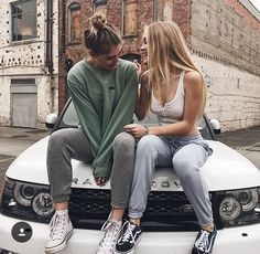 Friends, girls, and bff image Bff Images, Bff Pictures, Best Friend Pictures, Friend Photos, Best Friend Goals, My Best Friend, Shooting Photo Amis, Besties, Bestfriends