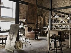 I came across this set of earthy, atmospheric interiors packed with antiques and treasured finds in Debi Treloar 's portfolio and was deli...