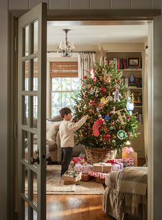 Tessa's Holiday House Tour, as appears in Midwest Living Magazine Merry Little Christmas, Noel Christmas, Country Christmas, All Things Christmas, Family Christmas, Christmas Mantles, Silver Christmas, Victorian Christmas, Christmas Morning
