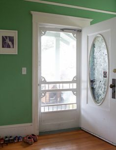Front door/screen and wall colour. Old Screen Doors, Old Doors, Windows And Doors, Entry Doors, Cozy Nook, White Doors, New Home Designs, Exterior Doors, My Dream Home