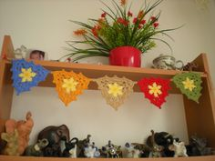 EmmHouse: Wreaths, buntings and ripples. ﻬஐCQஐﻬ #crochet #spring #crochetflowers #flowers
