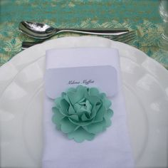 Favorite Finds: Paper Flower Place Card Holders