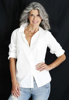 claudia maria represented by Wilhelmina International Inc. Short Dark Hair, Long Gray Hair, Bella Hadid, Stylish Outfits For Women Over 50, Cannes, Grey White Hair, Beautiful Old Woman, Older Women Fashion, Ageless Beauty