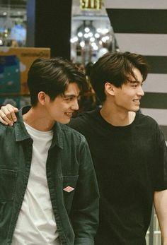 The Series Win Metawin Opas-iamkajorn Bright Vachirawit Chivaaree Cute Asian Guys, Asian Boys, Asian Men, Bright Pictures, Cute Gay Couples, Thai Drama, Handsome Faces, Cute Pokemon, Fujoshi