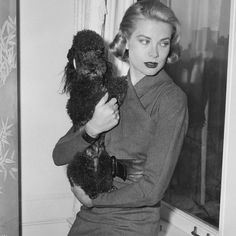 """Grace Kelly on Instagram: """"grace with a poodle 🤍 🤍 🤍 🤍 🤍  #gracekelly #royalty #princessgrace #classic #classicstyle #1950s #50s #50sfashion #oldhollywood…"""" Rita Hayworth, Vintage Hollywood, Grace Kelly, Cover Pages, Role Models, Classic Style, Pin Up, Actresses, Poodles"""