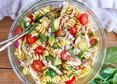Healthy Dinner Recipes 289215607323545390 - Healthy Chicken Pasta Salad – – Packed with flavor, protein and veggies! This healthy chicken pasta salad is loaded with tomatoes, avocado, and fresh basil. – Source by NinouMaryne Chicken Pasta Salad Recipes, Healthy Chicken Pasta, Healthy Pastas, Healthy Recipes, Salad Chicken, Avocado Chicken, Basil Chicken, Butter Chicken, Garlic Butter