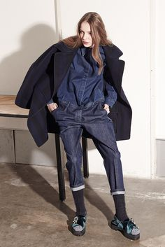 21 Pre-Fall 2015 Fashion Show in 2020 Tomboy Fashion, Denim Fashion, Trendy Fashion, High Fashion, Fashion Trends, Fashion Week, Winter Fashion, Fashion Show, Fashion Design