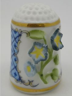 Morning Glory - Don Diego.  Franklin Porcelain.  Thimble-Dedal-Fingerhut.