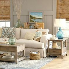 Sandy Beige and Blue Living Room... http://www.beachblissdesigns.com/2016/09/beige-blue-beach-living-room-birch-lane.html Natural accents and blue and green ocean hues create beach ambiance.