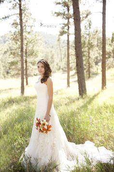 Bride outdoors in the Black Hills Wedding Photography | legacytheblog.com » Photography blog of Amy Oyler, Legacy Photo and Design Rapid City South Dakota »