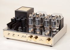 Jadis Release Two New Amplifiers High End Hifi, High End Audio, Audiophile Speakers, Hifi Audio, Radio Design, Valve Amplifier, Cool Electronics, Vacuum Tube, Audio Equipment