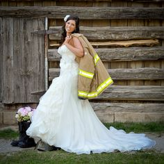 Firefighter bridal pictures by Jennifer Gilbert Photography