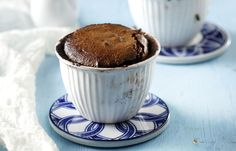 Molten chocolate pudding recipe by Greek chef Akis Petretzikis. This superbly luscious chocolate pudding has a creamy, rich tasting, molten chocolate center! Chocolate Pudding Recipes, Molten Chocolate, Recipe Box, Sweet Recipes, Deserts, Muffin, Ice Cream, Yummy Food, Sweets