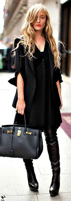 Black everything outfit inspiration.