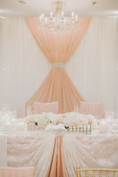Everyone needs a little glamour and a bit of romance in their day, and today we are all getting a big dose of both thanks to this super beautiful wedding captured by Mango Studios. Dripping with elegance, yet with the perfect