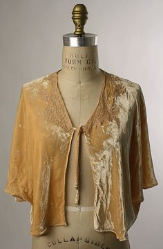 Bed Jacket via MET archive 1930s  description says cotton/synthetic - looks like…