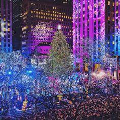 America's Most Romantic Winter Destinations Lake George Village, Barcelona, New York Christmas, Christmas Mood, Merry Christmas, I Love Nyc, New York Photos, Winter Destinations, Nova