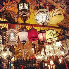 Istanbul Turkey the Big Bazar  Photo by www.lescasserolesdenawal.fr