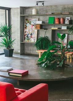 Listamos aqui 5 dicas e tendências na hora de compor e aplicar o estilo dos anos 70 nos seus ambientes. Confira inspirações para decorar a sua casa!