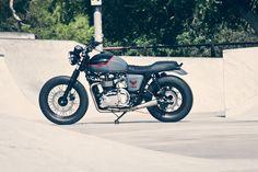 Triumph Bonneville T100 By Roland Sands ♠ http://milchapitas-kustombikes.blogspot.com/ ♠