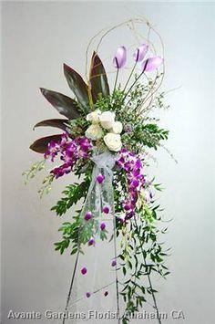 Photos : Avante Gardens Florist Custom Floral Design Gallery - Anaheim, CA : Purple and White Easel Spray
