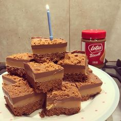 Alternative birthday cake for today! His request (after seeing it on was this Millionnaires Traybake (recipe by ) COR BLIMEY a pleasure to bake and eat! Biscoff Cheesecake, Biscoff Recipes, Tray Bake Recipes, Tray Bakes, Alternative, Birthday Cake, Treats, Homemade, Baking