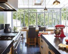 Solution n°5 : j'installe la cuisine dans la véranda + coin repas