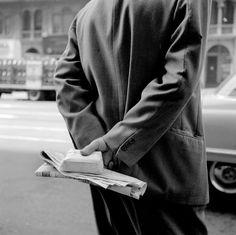 VIVIAN MAIER || New York (Hands Behind Back, Box), 1956