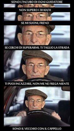 The perfect description of - # description # perfect - - Memes Humor, Funny Jokes, Hilarious, Super Funny, Funny Cute, Funny Images, Funny Photos, Italian Memes, Funny Scenes