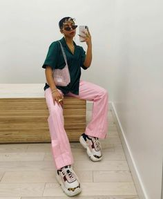 I guess pink and green are amongst my fav color combos Fashion Killa, 90s Fashion, Fashion Looks, Fashion Outfits, Colourful Outfits, Colorful Fashion, Cool Outfits, Style Casual, Mode Inspiration