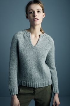 Notched+Crewneck+Sweater+in+heather+grey