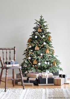 A Simple Earthy Christmas Tree