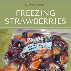 Freezer bag filled with strawberries. Freezing Strawberries, Freezing Apples, Frozen Strawberries, Apple Recipes, Meat Recipes, Ice Cube Trays, Grilled Meat, Fruit And Veg, Freezer